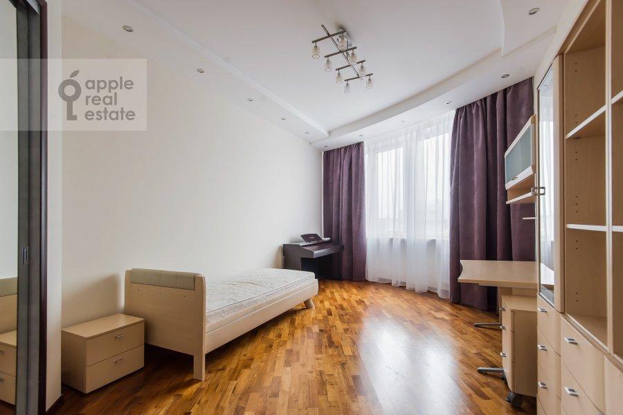 Children's room / Cabinet of the 5-room apartment at Leninskiy prospekt 106k1