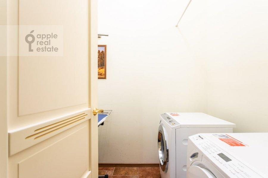 Гардеробная комната / Постирочная комната / Кладовая комната в 5-комнатной квартире по адресу Староволынская ул. 15к5