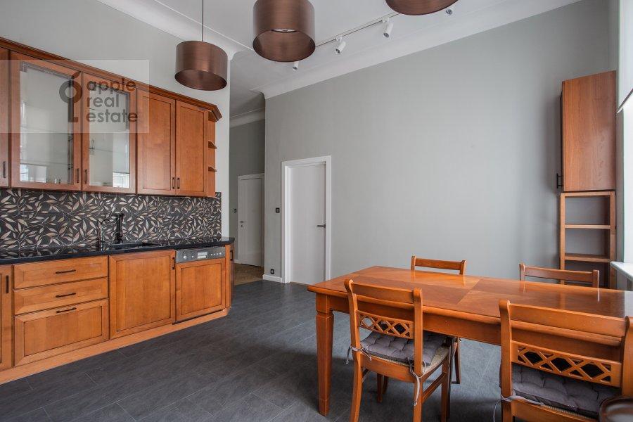 Kitchen of the 5-room apartment at Spiridonovka 38