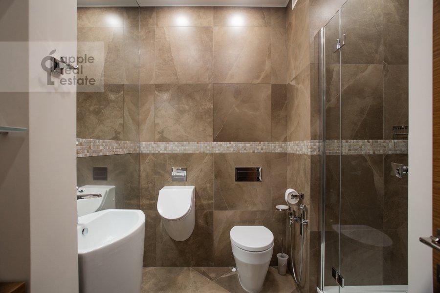 Санузел в 4-комнатной квартире по адресу Ломоносовский проспект 25к5