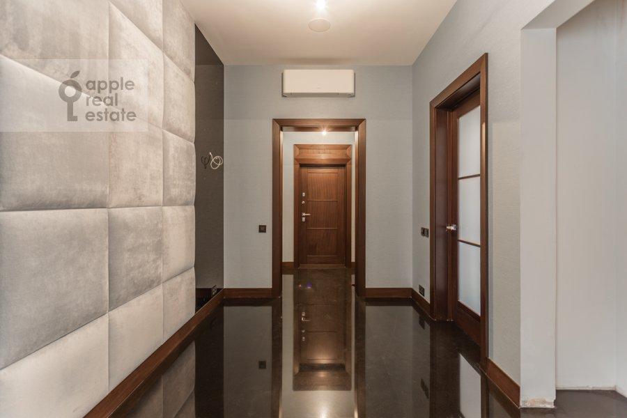 Corridor of the 3-room apartment at 3-ya Tverskaya-Yamskaya ul. 25