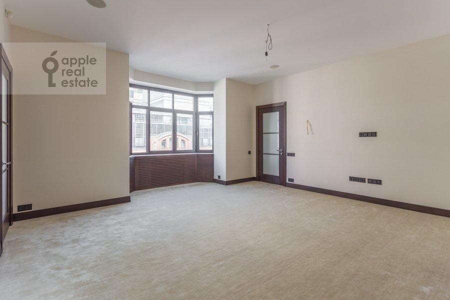 Children's room / Cabinet of the 3-room apartment at 3-ya Tverskaya-Yamskaya ul. 25