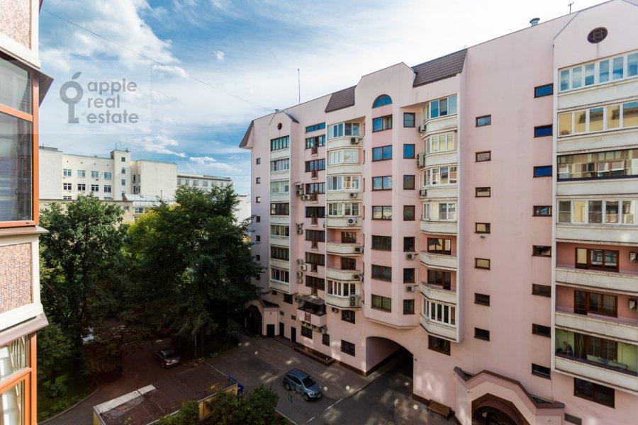 View from the window of the 3-room apartment at 3-ya Tverskaya-Yamskaya ul. 25