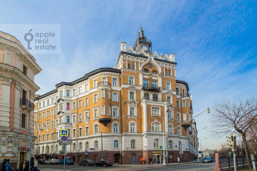 Photo of the house of the 4-room apartment at Sretenskiy bul'var 6/1S2