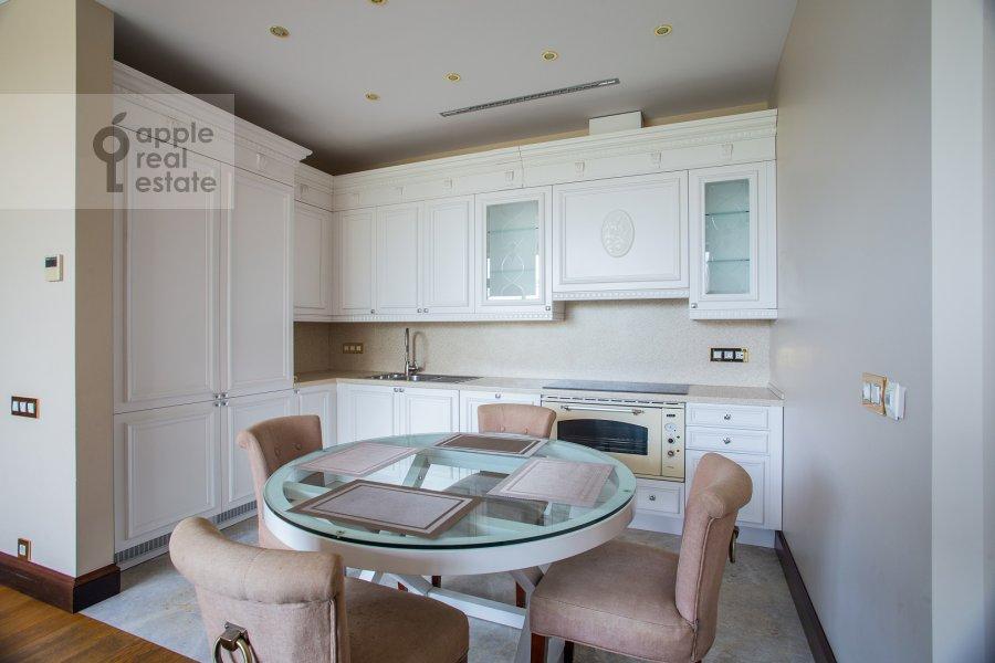 Кухня в 3-комнатной квартире по адресу 1-й переулок Тружеников 17А