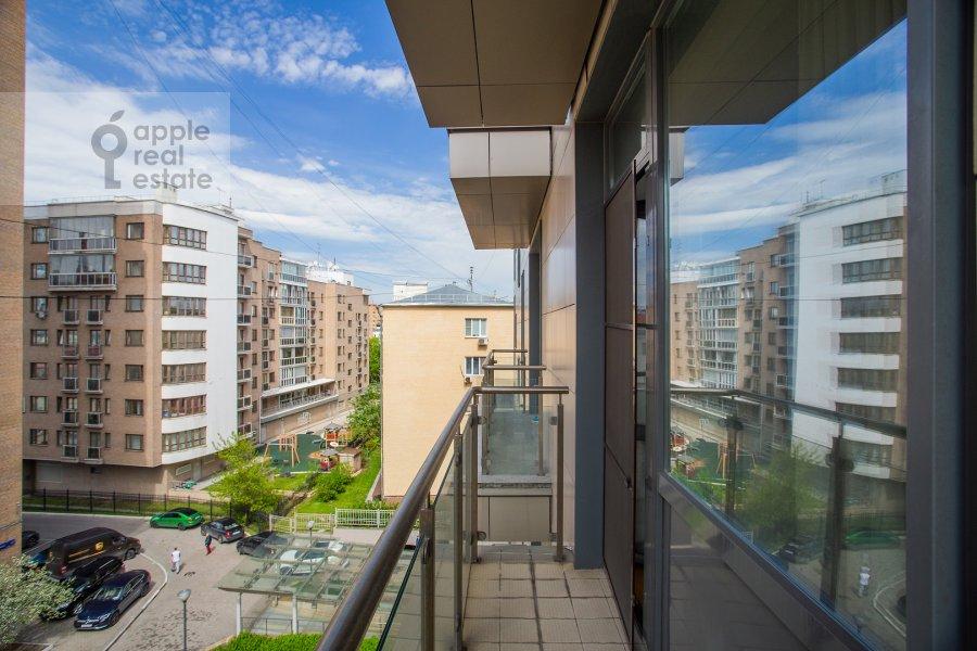 Балкон / Терраса / Лоджия в 3-комнатной квартире по адресу 1-й переулок Тружеников 17А