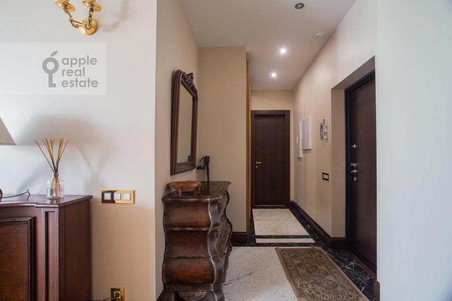 Коридор в 3-комнатной квартире по адресу 1-й переулок Тружеников 17А