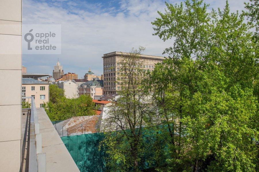 Вид из окна в 3-комнатной квартире по адресу 1-й переулок Тружеников 17А