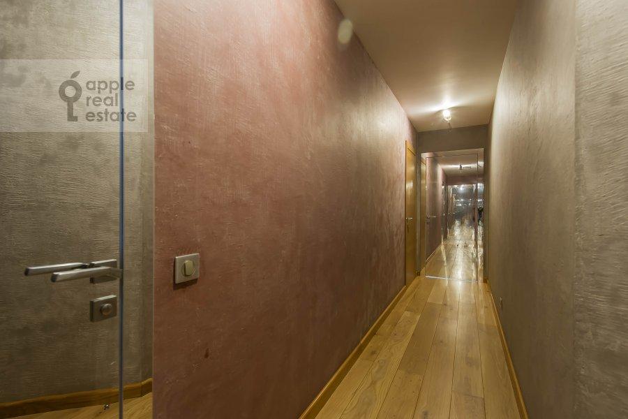 Corridor of the 6-room apartment at Mytnaya ulitsa 7s1