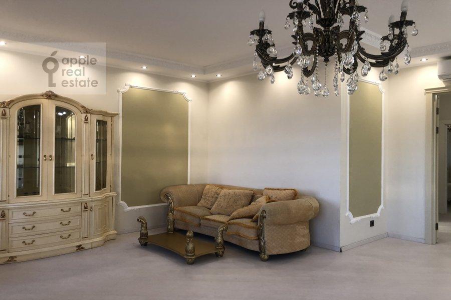 Гостиная в 3-комнатной квартире по адресу Ломоносовский проспект 25к3