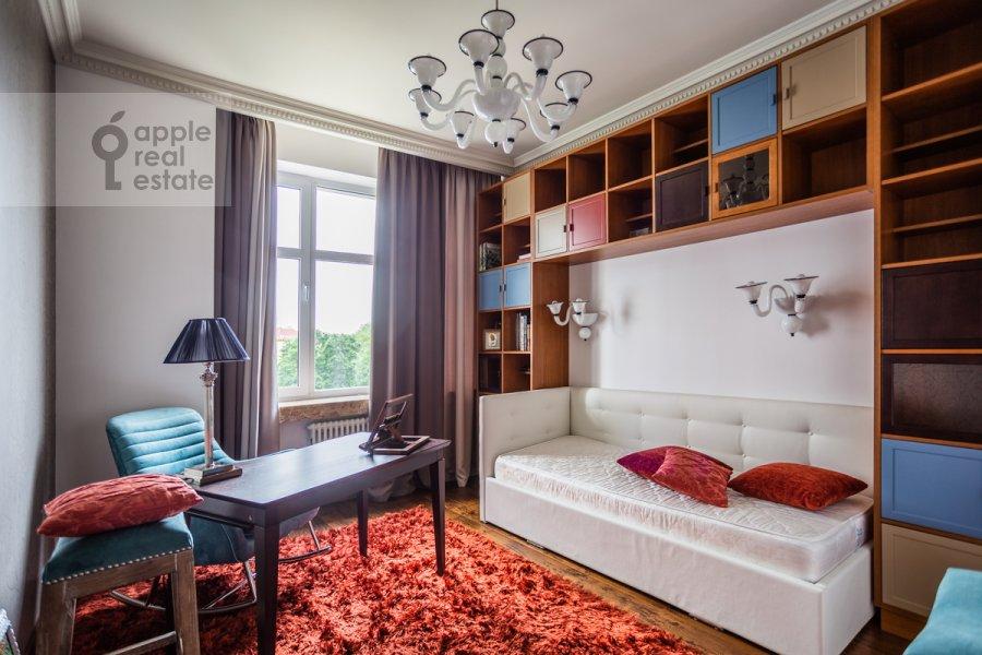 Детская комната / Кабинет в 5-комнатной квартире по адресу Маршала Соколовского 5