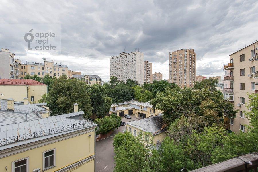 Вид из окна в 2-комнатной квартире по адресу переулок Сивцев Вражек 15/25