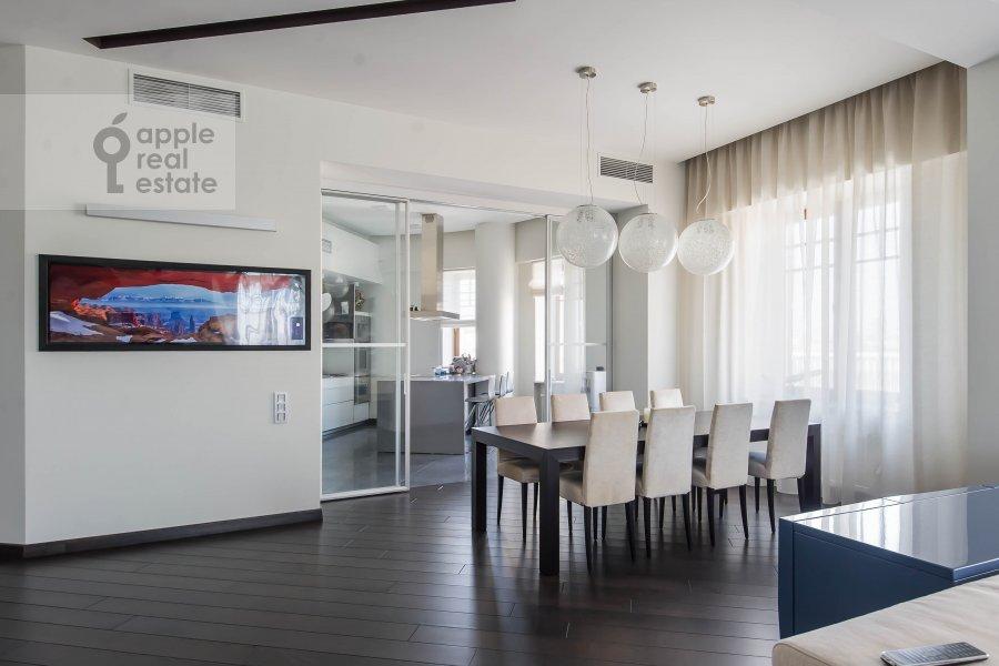 Гостиная в 5-комнатной квартире по адресу 1-й Неопалимовский пер. 8