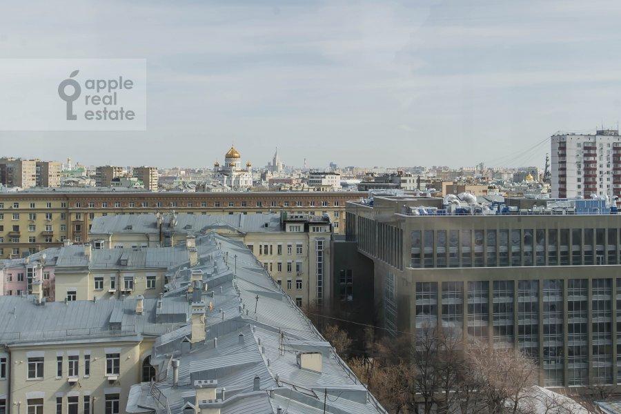 Вид из окна в 5-комнатной квартире по адресу 1-й Неопалимовский пер. 8