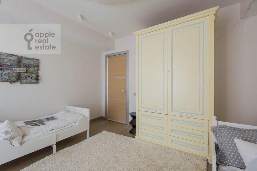 Детская комната / Кабинет в 5-комнатной квартире по адресу 1-й Неопалимовский пер. 8