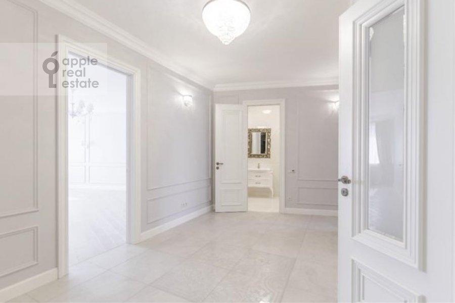 Коридор в 3-комнатной квартире по адресу Мичуринский проспект 26