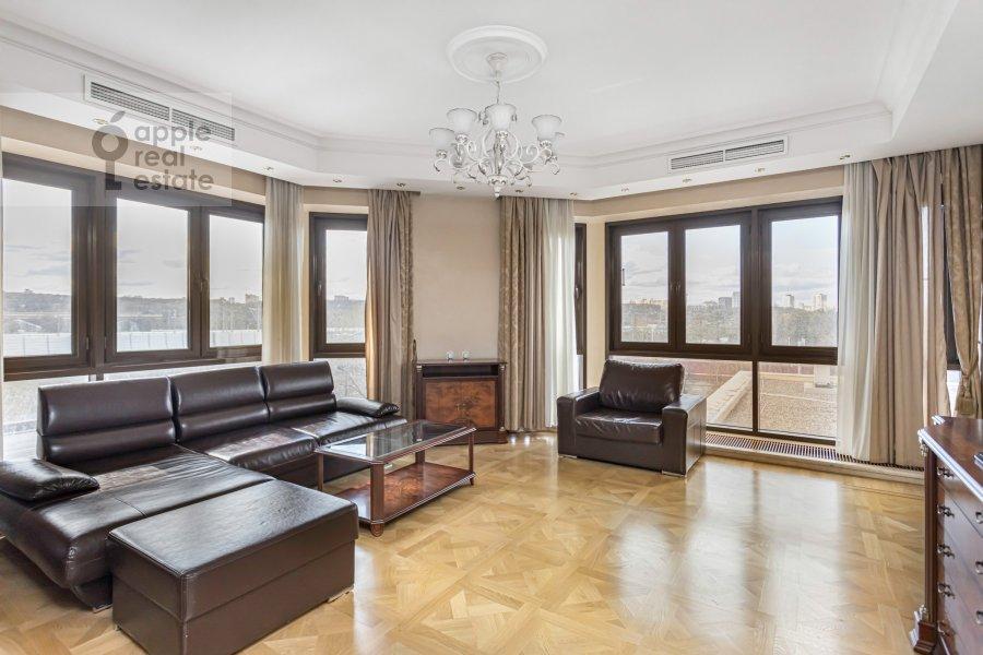 Гостиная в 2-комнатной квартире по адресу Хамовнический Вал ул. 36
