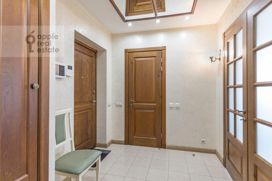 Коридор в 2-комнатной квартире по адресу Хамовнический Вал ул. 36
