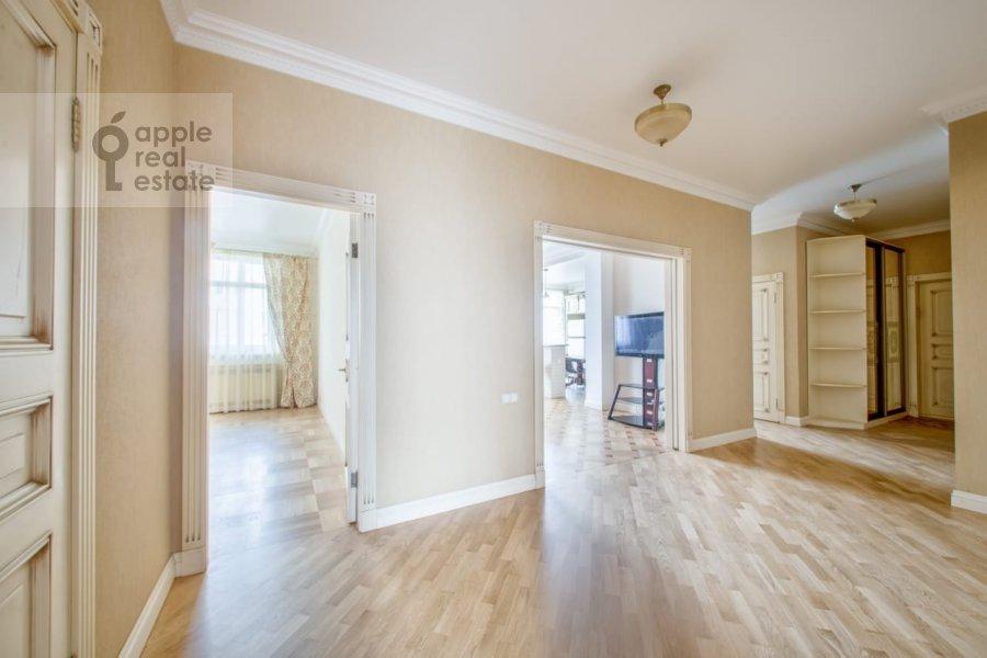 Corridor of the 3-room apartment at Khodynskiy bul'var 11