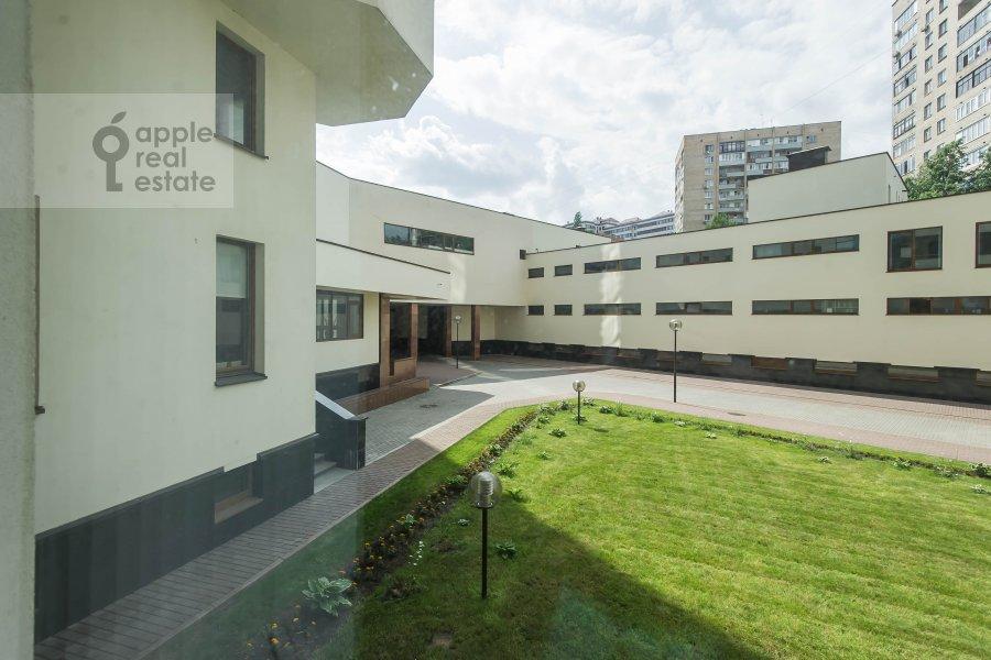 View from the window of the 2-room apartment at Arkhitektora Vlasova 6