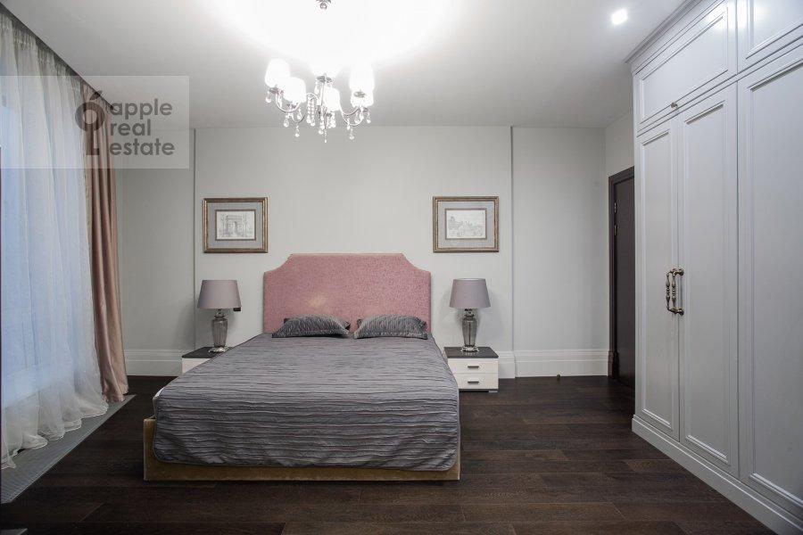 Спальня в 4-комнатной квартире по адресу Давыдковская улица 18