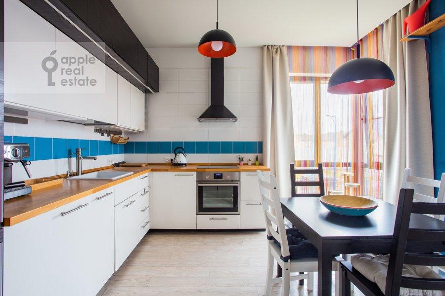 Кухня в 3-комнатной квартире по адресу Каштановая ул. 6