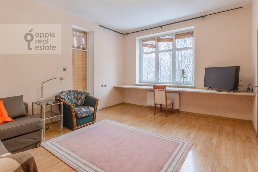 Living room of the 1-room apartment at Skhodnenskaya ulitsa 35 s1