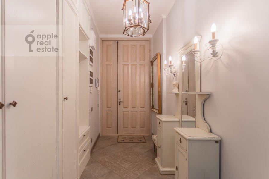 Corridor of the 4-room apartment at Bol'shoy Khariton'evskiy pereulok 14