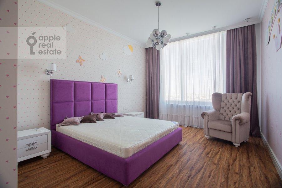 Bedroom of the 4-room apartment at Mosfil'movskaya ulitsa 8
