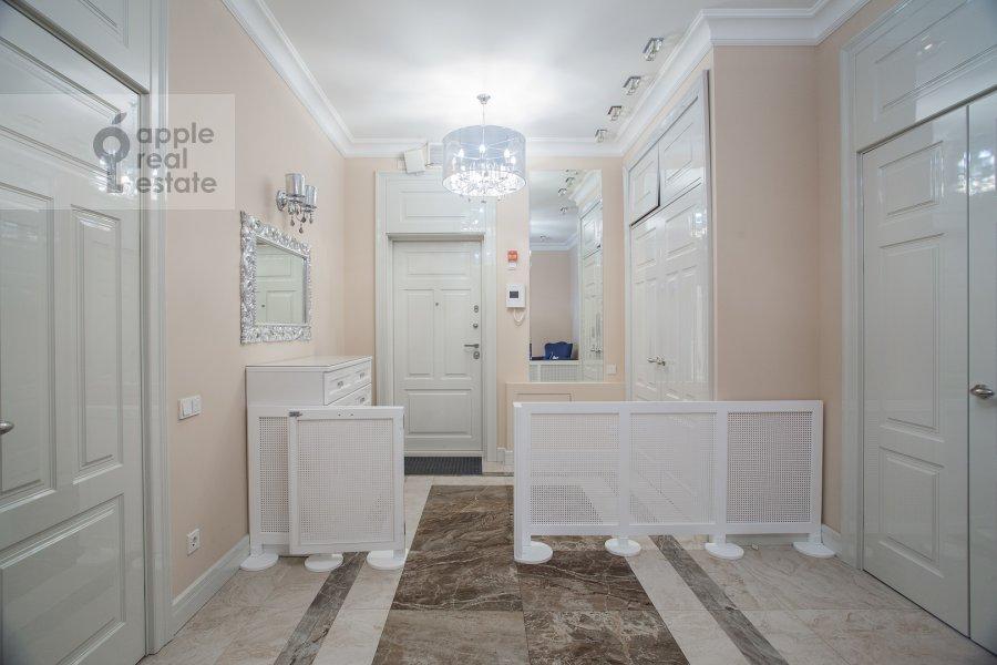 Corridor of the 4-room apartment at Mosfil'movskaya ulitsa 8