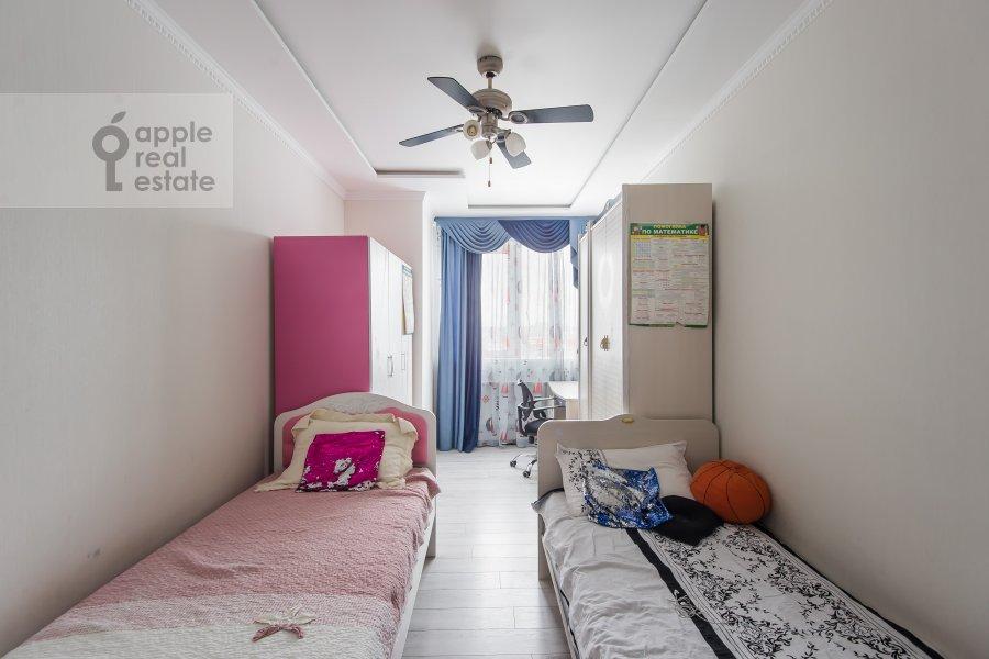 Детская комната / Кабинет в 3-комнатной квартире по адресу бульвар Маршала Рокоссовского 6к1г