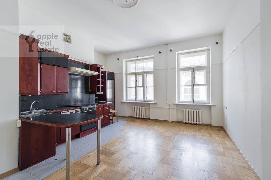 Кухня в 4-комнатной квартире по адресу Сретенский бульвар 6/1 стр.2