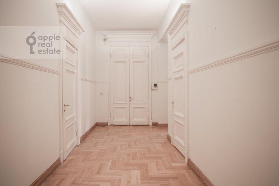 Коридор в 4-комнатной квартире по адресу Сретенский бульвар 6/1 стр.2