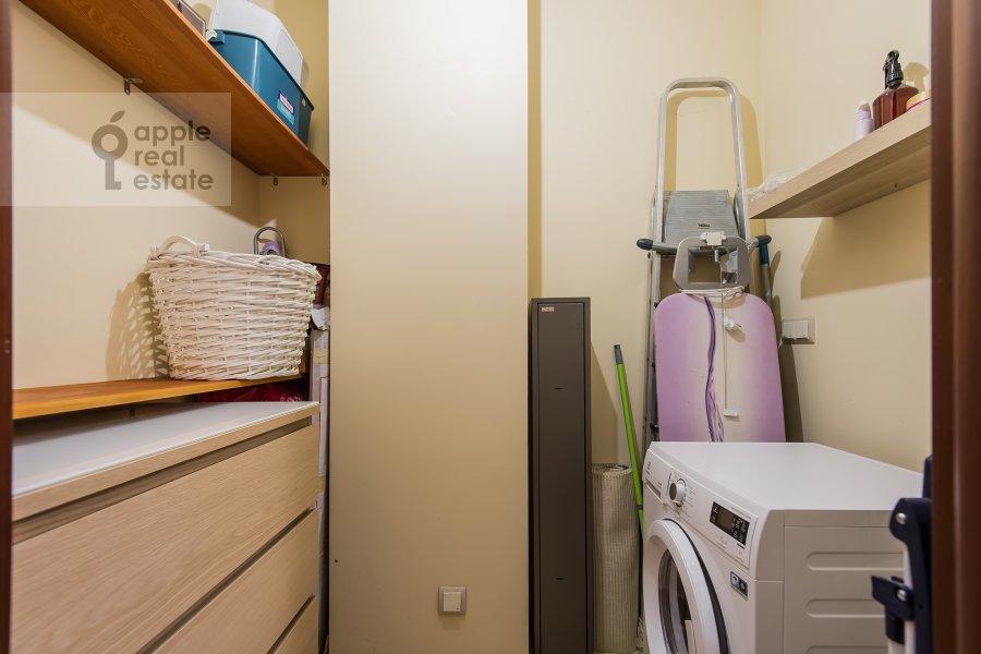 Walk-in closet / Laundry room / Storage room of the 2-room apartment at Leningradskiy prospekt 48