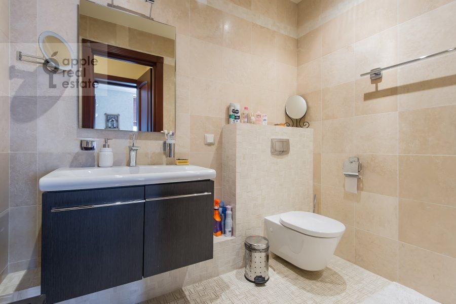 Bathroom of the 2-room apartment at Leningradskiy prospekt 48