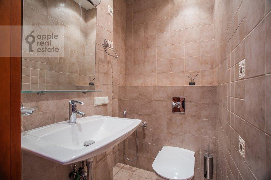 Bathroom of the 3-room apartment at Protopopovskiy per., 17S3