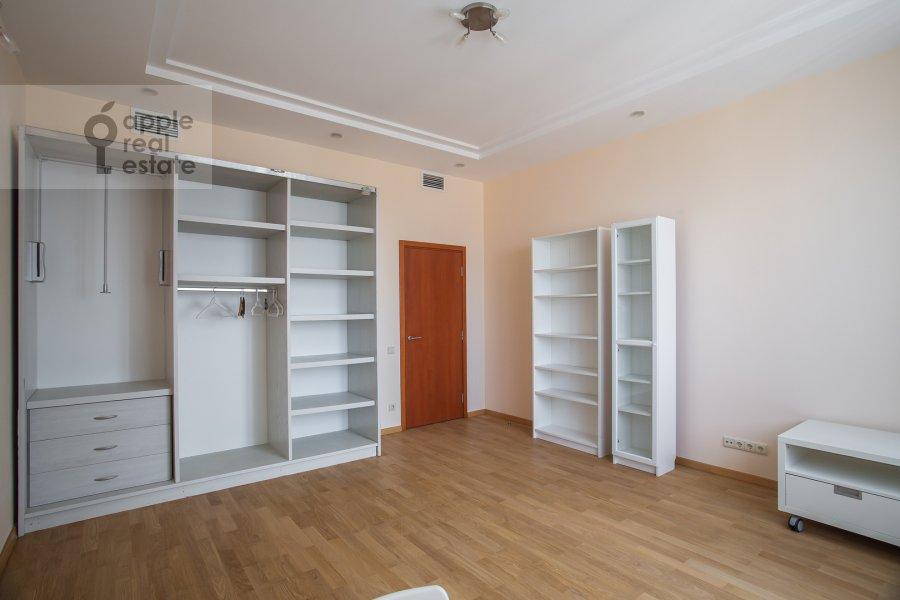 Детская комната / Кабинет в 3-комнатной квартире по адресу Протопоповский пер., 17С3