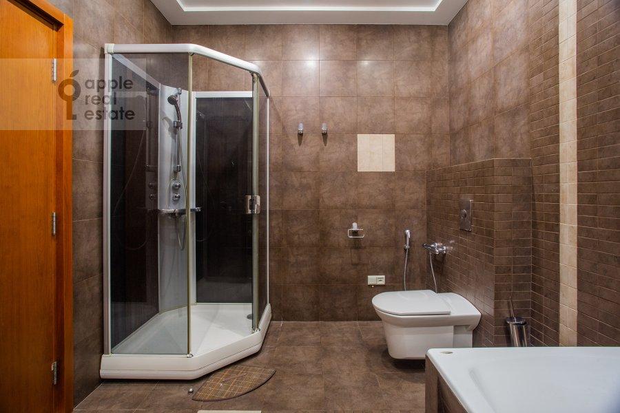 Санузел в 3-комнатной квартире по адресу Протопоповский пер., 17С3
