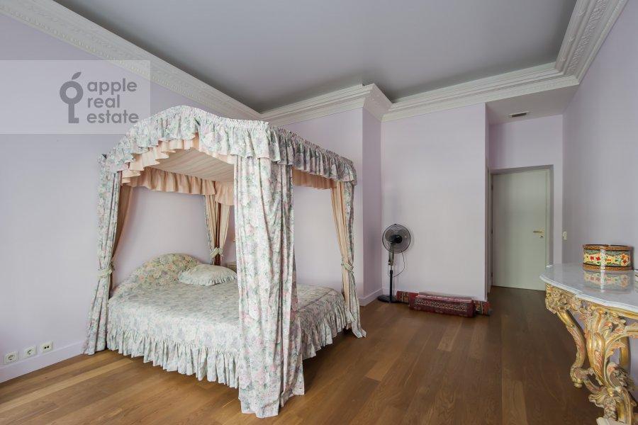 Children's room / Cabinet of the 4-room apartment at Bol'shoy Afanas'evskiy pereulok 30