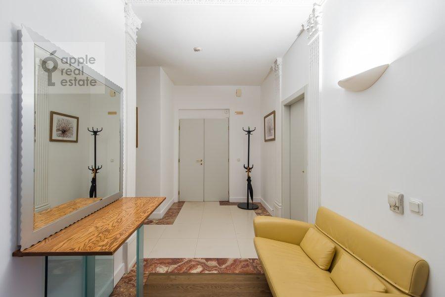 Corridor of the 4-room apartment at Bol'shoy Afanas'evskiy pereulok 30