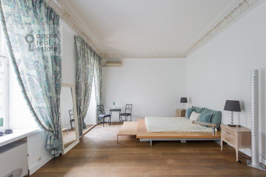 Bedroom of the 4-room apartment at Bol'shoy Afanas'evskiy pereulok 30