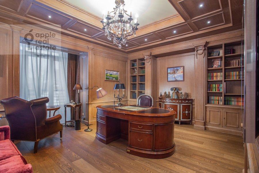 Children's room / Cabinet of the 6-room apartment at Trubnaya ploshiad' 2