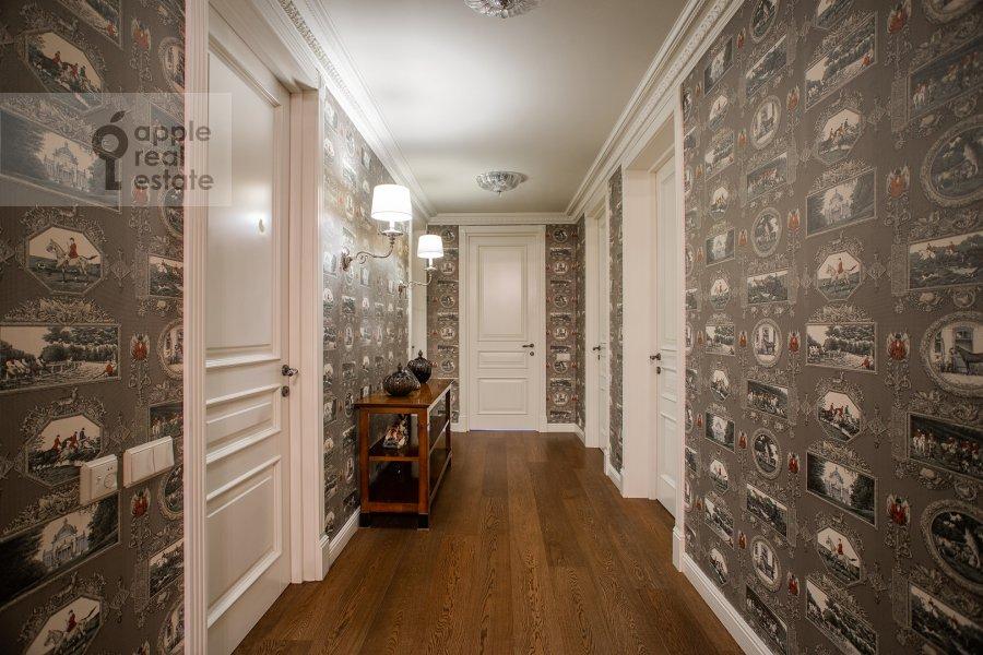 Corridor of the 6-room apartment at Trubnaya ploshiad' 2