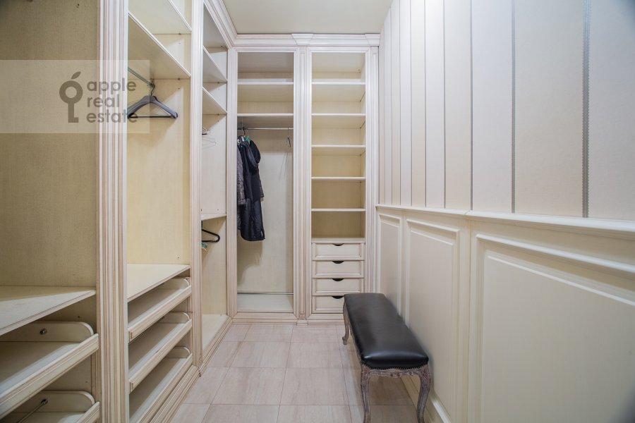 Walk-in closet / Laundry room / Storage room of the 6-room apartment at Trubnaya ploshiad' 2