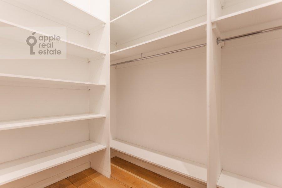 Walk-in closet / Laundry room / Storage room of the 6-room apartment at Myasnitskaya ulitsa 15