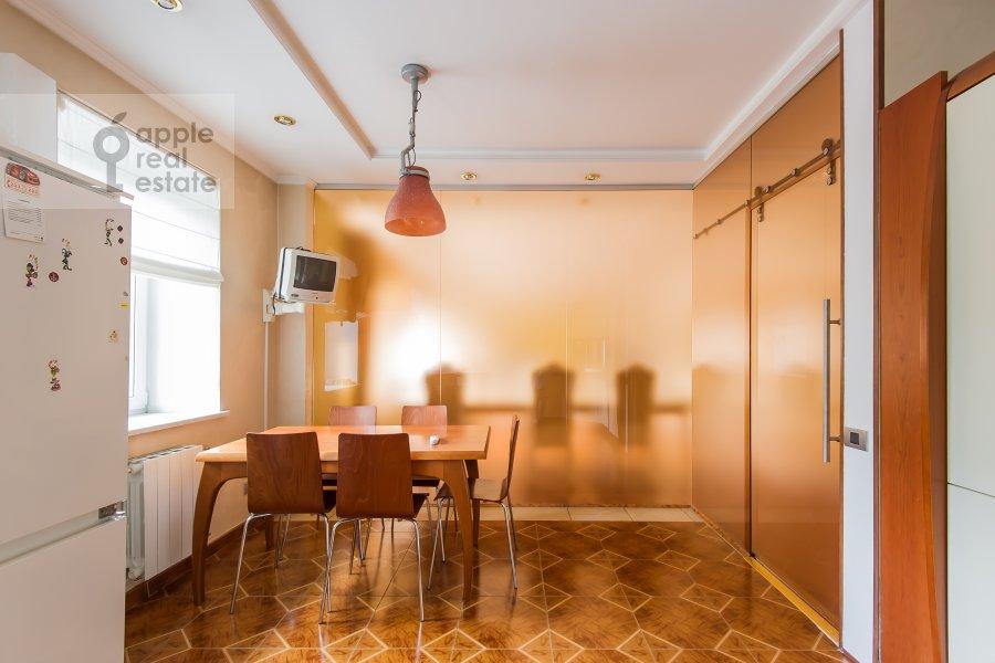 Kitchen of the 4-room apartment at Ermolaevskiy pereulok 5s1