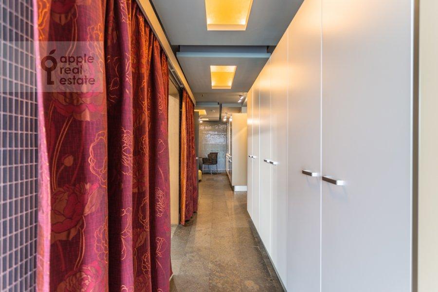 Corridor of the 2-room apartment at Botanicheskiy pereulok 5