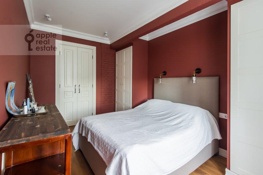 Bedroom of the 3-room apartment at Staraya Basmannaya ulitsa 20k12