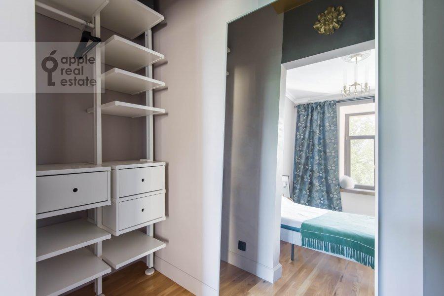 Walk-in closet / Laundry room / Storage room of the 2-room apartment at Kutuzovskiy prospekt 25