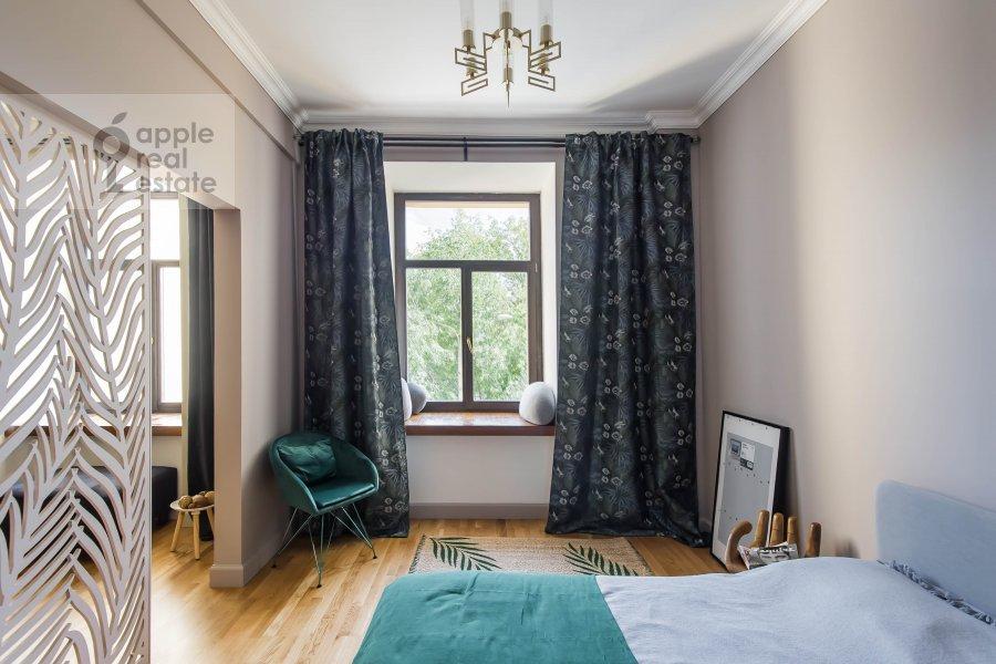 Bedroom of the 2-room apartment at Kutuzovskiy prospekt 25